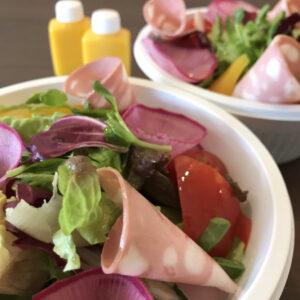 モルタデッラと10種類の新鮮サラダ